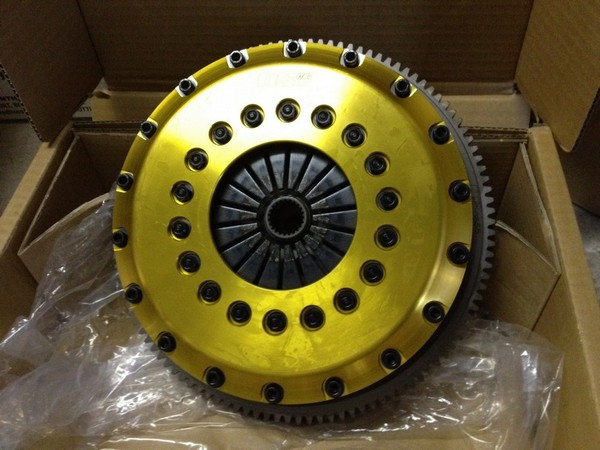 Muellerized RS - OS                                               Giken Twin Plate Carbon                                               Clutch
